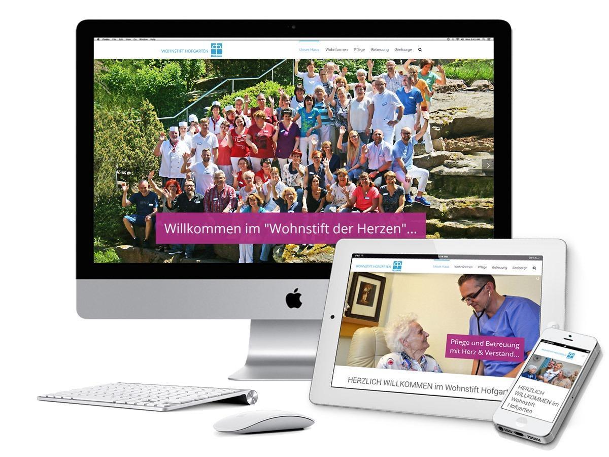 Darstellung der neuen Website des Wohnstift Hofgarten auf verschiedenen Endgeräten